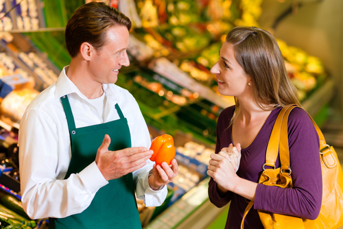 serving-a-customer - customer loyalty tips