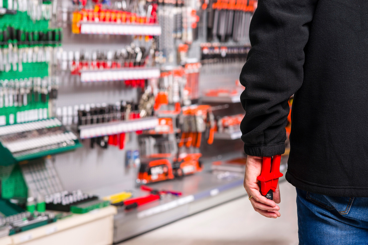 shoplifting and employee theft No matter how it happens, when you see someone shoplifting from your  as an  employee, one of your tasks is likely to be the prevention of theft from the store.